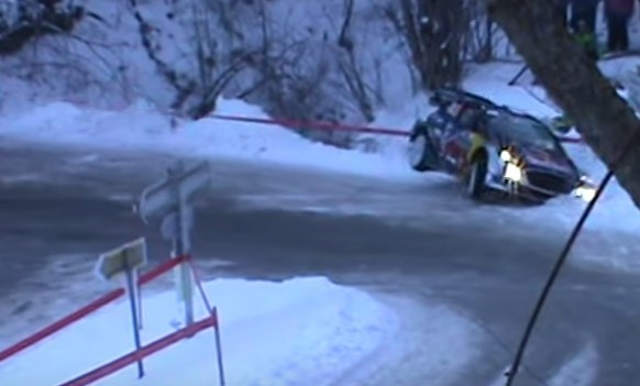 vid o crash de s bastien ogier au rallye monte carlo 2017. Black Bedroom Furniture Sets. Home Design Ideas
