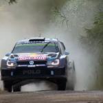 Volkswagen Polo R WRC qui sort de l'eau