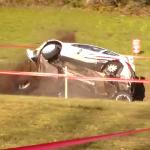 La Peugeot 207 S2000 pendant l'accident