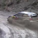 Sébastien Ogier en glisse dans la boue