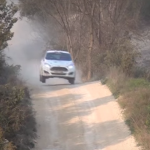 La Ford Fiesta R2 les 4 roues en l'air