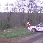 Peugeot 208 R2 à la limite de l'accident