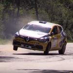 Gros passage d'une Renault Clio 4