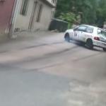 Renault Clio en difficulté et à la limite