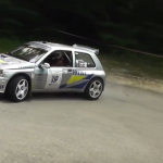 Uune Renault Clio Maxi en glisse