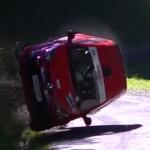 Renault Twingo en plein crash
