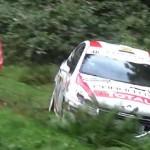 Une Peugeot 208 R2 pendant un crash