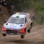 Une Hyundai I20 WRC en plein saut