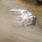 Une Skoda Fabia WRC en glisse
