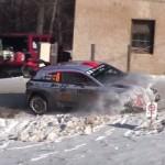 Une hyundai I20 WRC le nez dans la neige