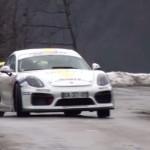 La Porsche Cayman GT4 lors des essais