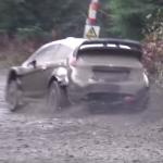 Ford Fiesta WRC en glisse sur la boue