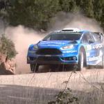 La Ford Fiesta WRC en glisse sur la terre