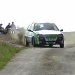 Une Peugeot 106 en glisse