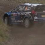 Une Ford Fiesta WRC en glisse