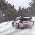 La Ford Fiesta WRC en glisse sur la neige